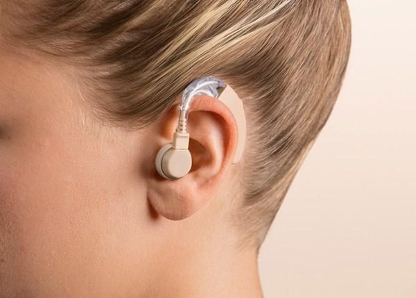 Beurer Audifonos Frecuencias: 200 - 5000 Hz Ha 20 alt